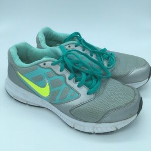 Nike Downshifted 6 - Girls sz 5Y - Grey and Green